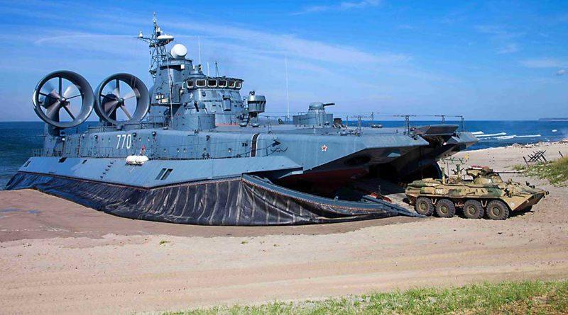 Marine-Infanteristen üben Küstenanlandung